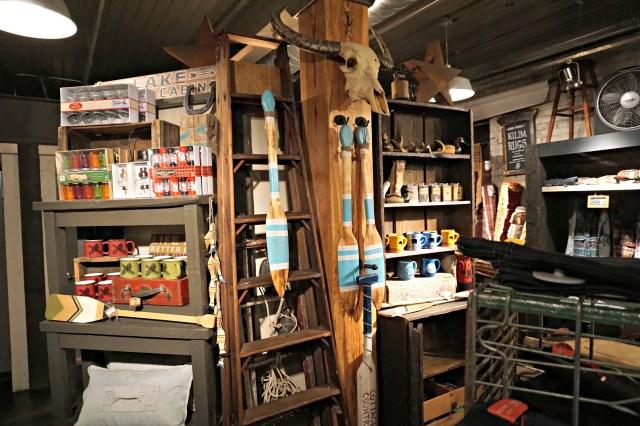 lavish-and-sqaulor-toronto-store