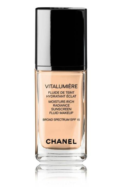 CHANEL VITALUMIÈRE MOISTURE-RICH RADIANCE SUNSCREEN FLUID MAKEUP BROAD SPECTRUM SPF 15 Foundation