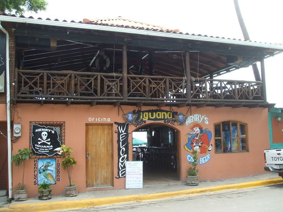iguana-bar-san-juan-del-sur
