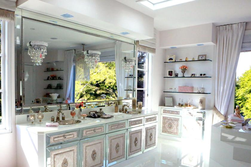 Lisa Vanderpump of Real Housewives of Beverly Hills home Villa Rosa's master bathroom