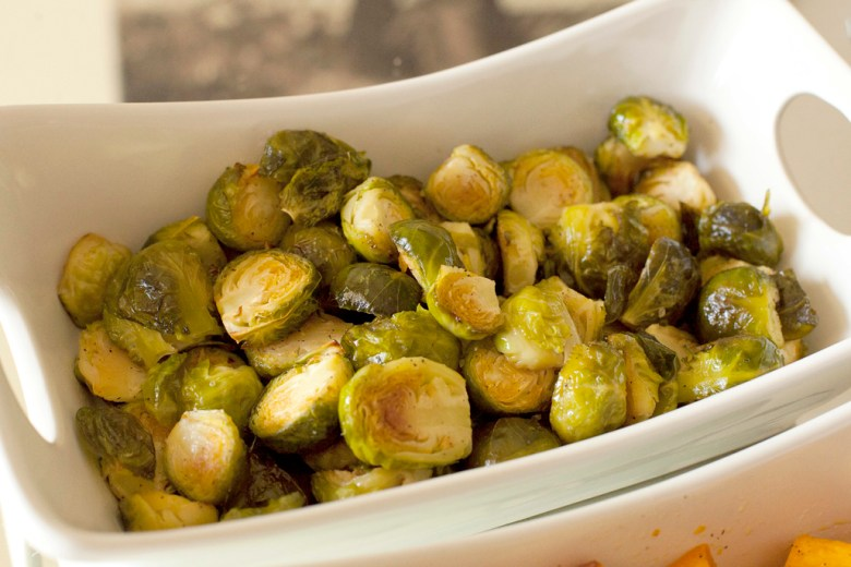 Easy & simple oven roasted brussels sprouts