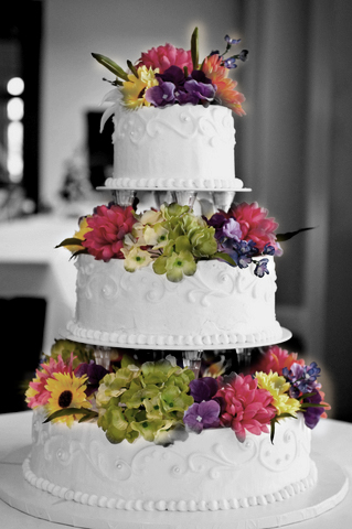 how much do wedding cakes weigh liv lundelius make your own vegan wedding cake 15466