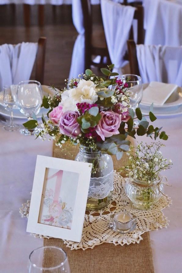 a Shabby Chic asztalokat a Regina nagymamája által horgolt terítők tették még szebbé...