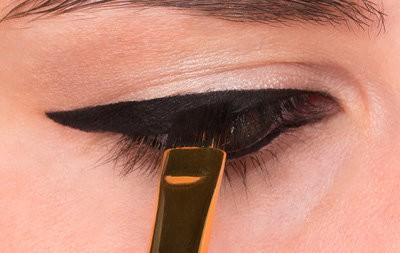 How to Do Winged Eyeliner 7