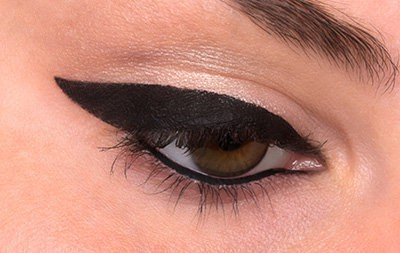 How to Do Winged Eyeliner 9