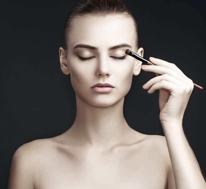 The 7 Essential Spots To Apply Eyeshadow For Achieving a Flawless Look 5