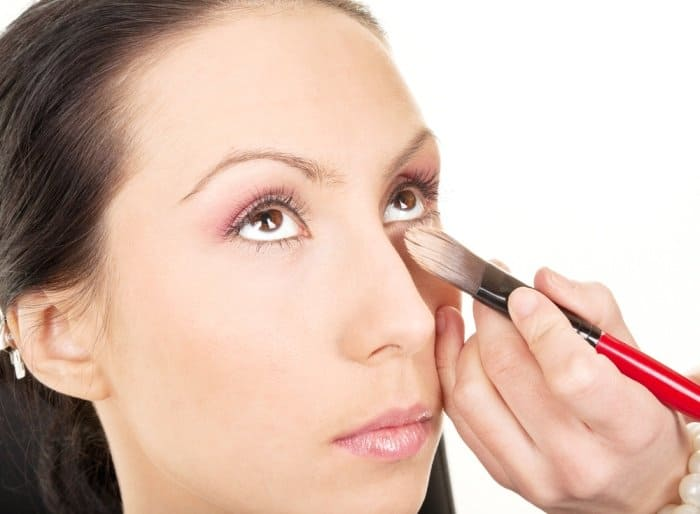 The 7 Essential Spots To Apply Eyeshadow For Achieving a Flawless Look 9