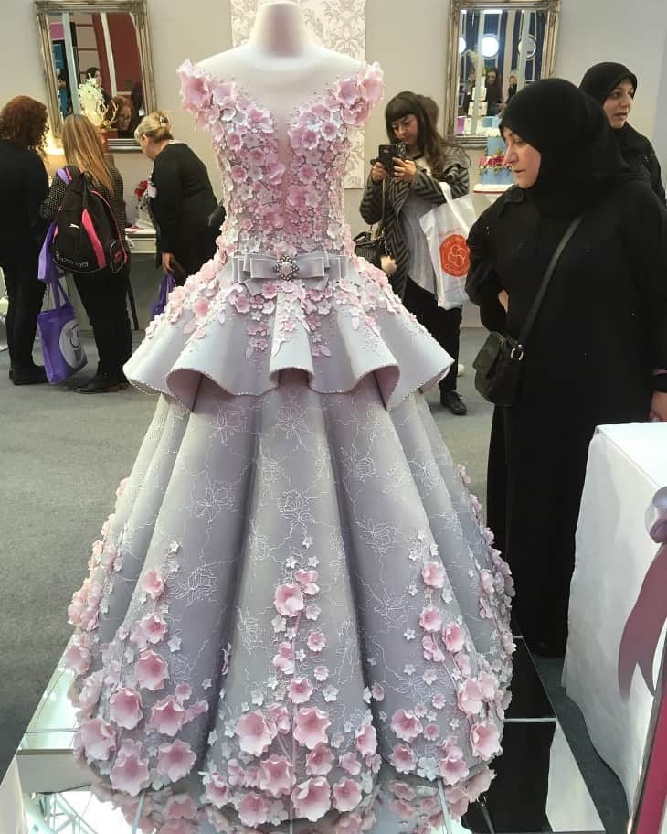 If it's not a wedding dress, then what is it? 3