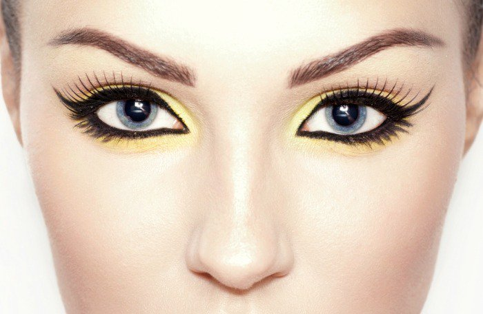 Tricks That Will Help Your Eyeliner Stay Longer 5