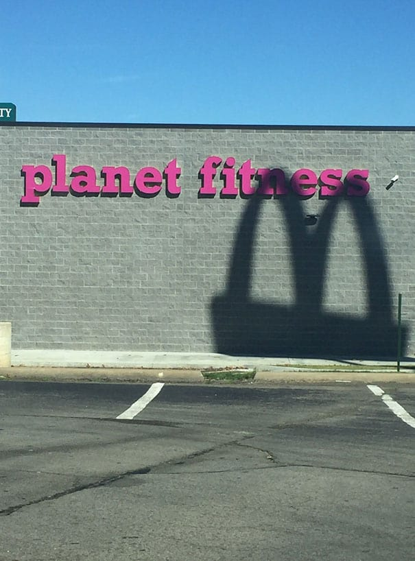 Situations When People Cannot Believe Their Eyes At The Gym 6