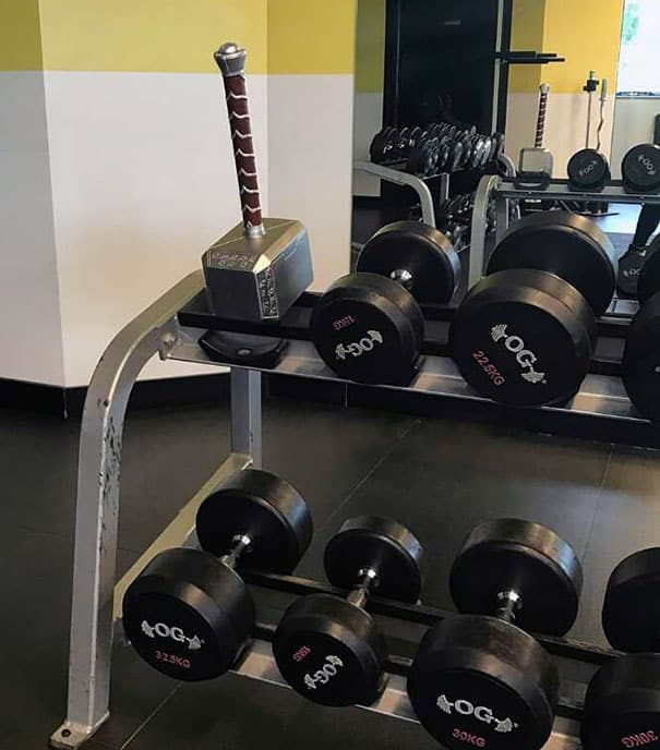 Situations When People Cannot Believe Their Eyes At The Gym 10
