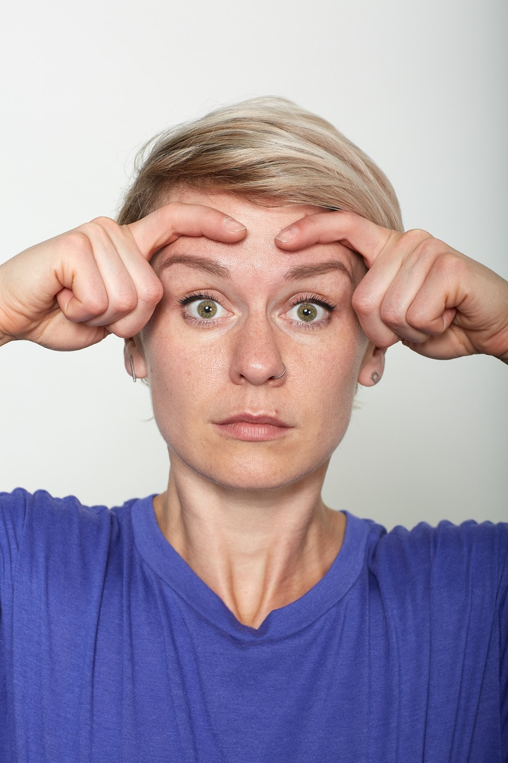 10 Basic Facial Exercises That Will Not Let You Visit To A Plastic Surgeon 5