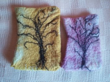 kindle cover and mobile phone cover hand felted hand dyed 2 blythwhimsies 2016-01-18 14.53.40