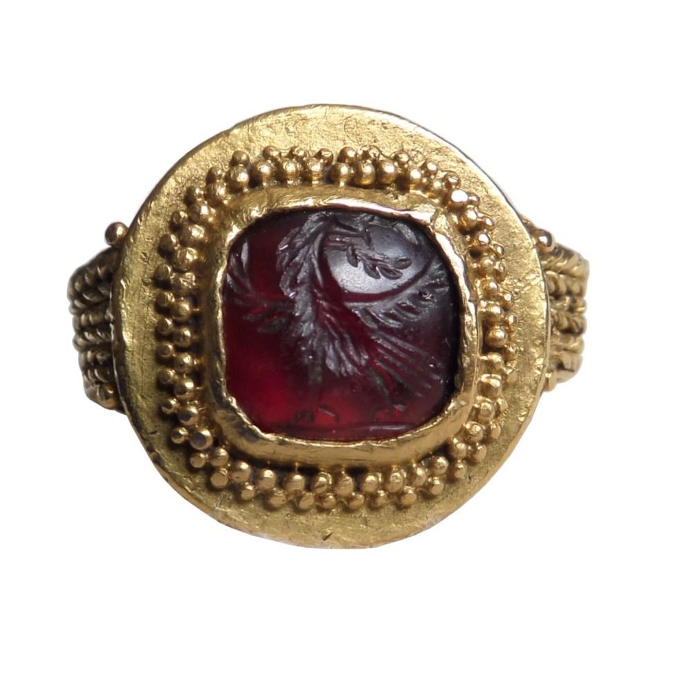 B&M Antiques – Ancient jewelry