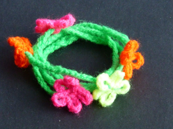 """You are currently viewing Wickelarmband, Modell """"NEON-flowers"""""""