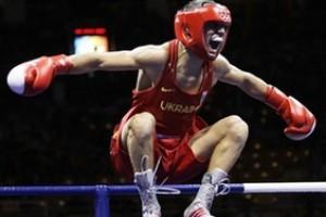 Український боксер Ломаченко виграв нокаутом свій перший професійний бій