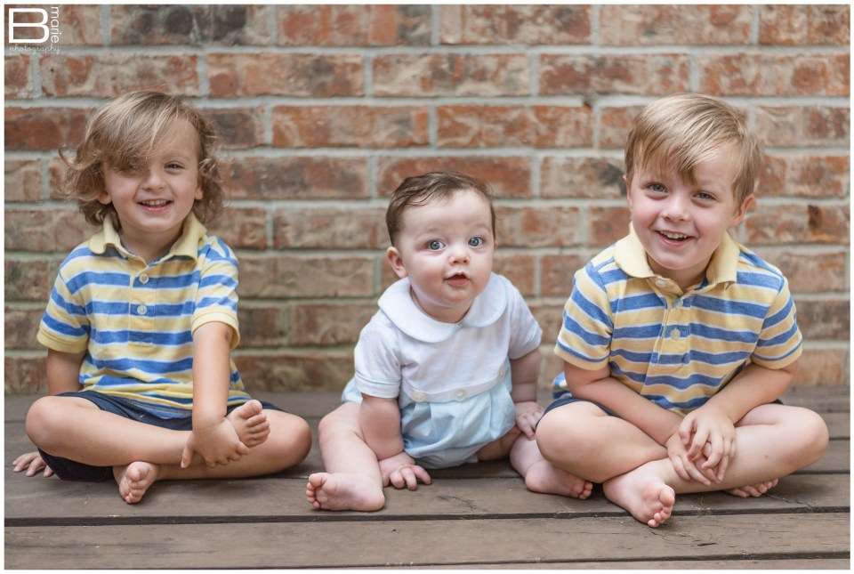 Houston photographer images of 6 month old baby boy with siblings