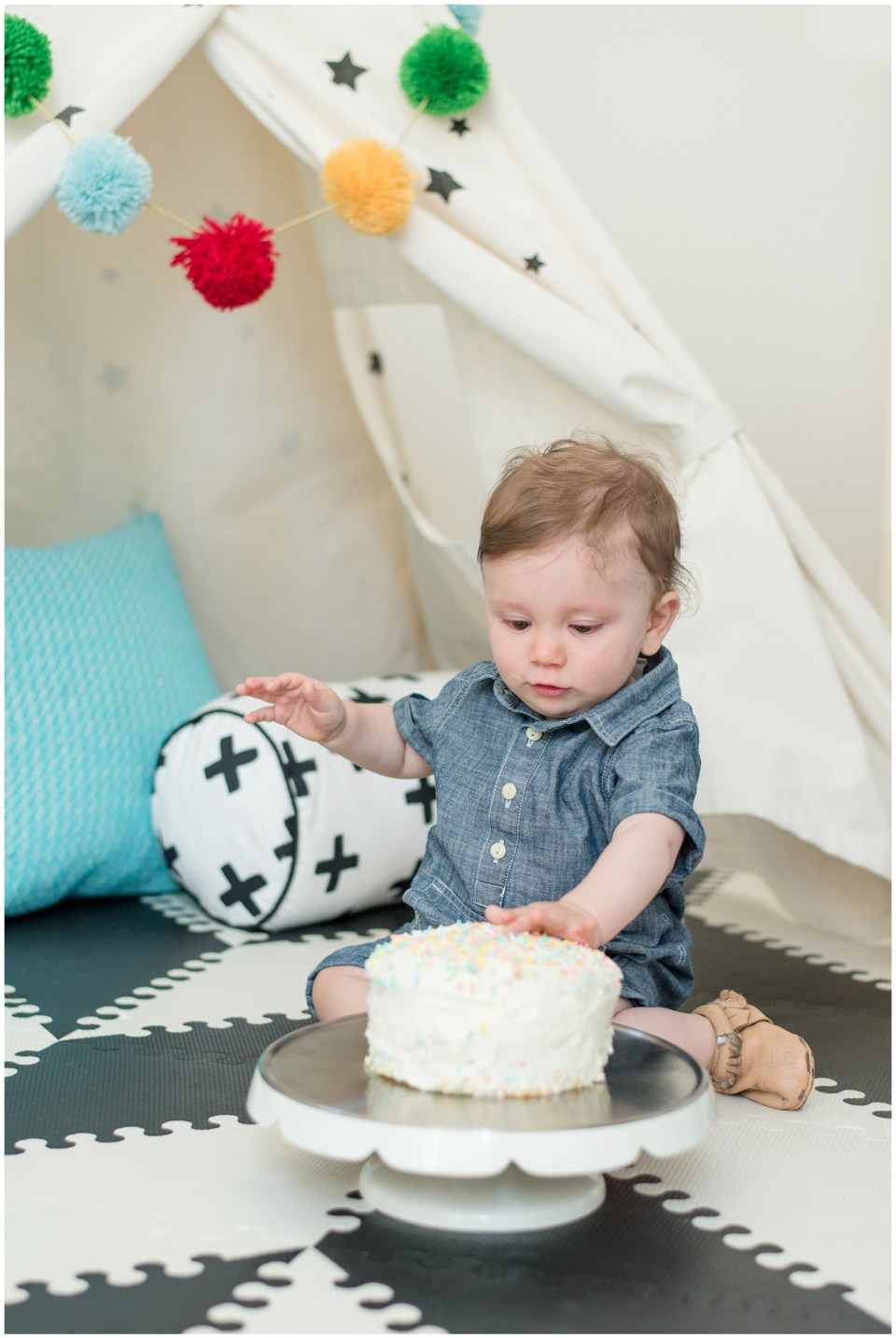 Kingwood child photographer - Houston cake smash portrait session