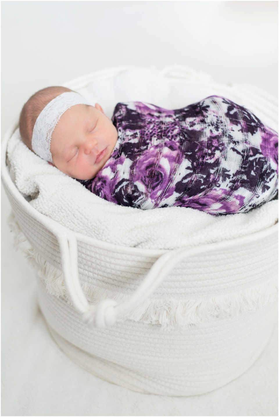 Kingwood photographer newborn portrait session with baby girl and her family, mix of lifestyle and posed portraits