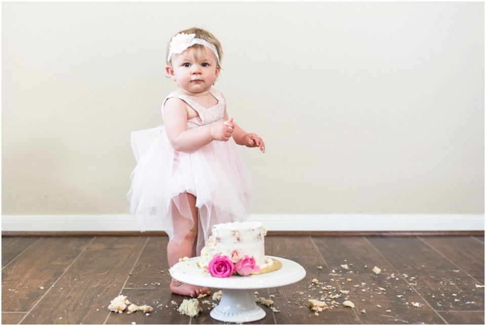 Kingwood photographer - Little girl's blush, white & cream cake smash session for Little Ones milestone portrait collection