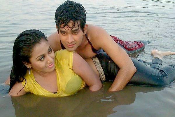 hot photo of baba ma sontan new bangla film