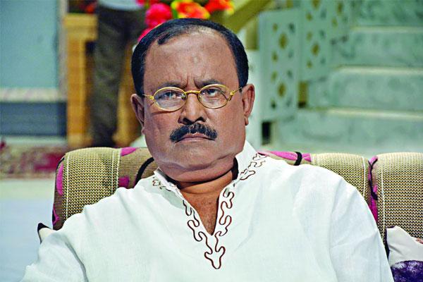 'বেপরোয়া' মহরত : চলচ্চিত্র বাঁচাতে হাতজোড় অনুরোধ কাজী হায়াতের