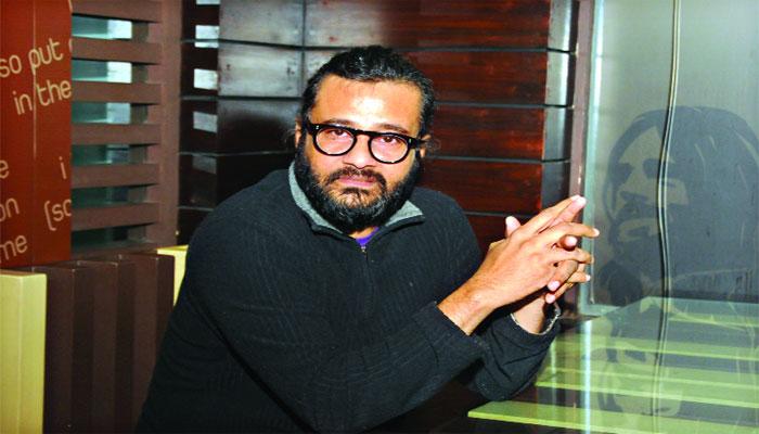 প্রিন্স মাহমুদ: নব্বইয়ের প্রজন্মের মহানায়ক