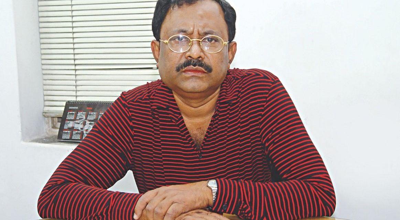 পরিচালনা জীবন নিয়ে 'অভিনব' সিনেমা কাজী হায়াতের