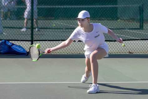 V. Tennis Wins Back-to-Back League Titles