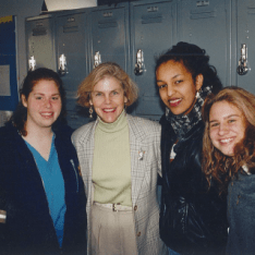 Cindy Pendergast poses with members of the class of 1998. Gator file photo.