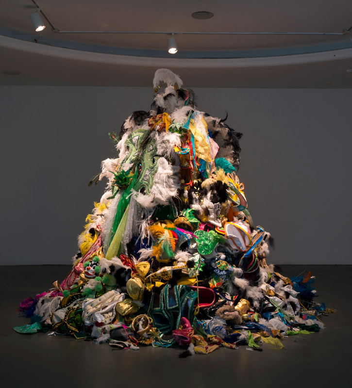 Andrea-Fraser-A-Monument-to-Discarded-Fantasies