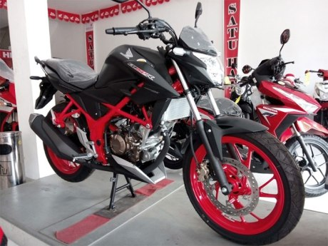 All-New-CB150R-SE-Raptor-Black