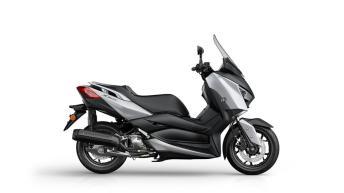 2018-Yamaha-XMAX-125-ABS-EU-Blazing-Grey-Foto-Studio-002