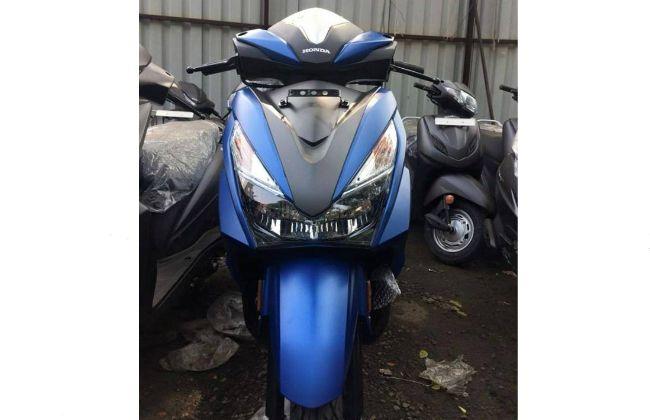Tampak-Depan-Honda-Grazia-125-2018-Matte-Blue-Seperti-New-Honda-Vario-2018