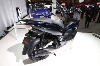 Tampak-Samping-Belakang-Honda-PCX-2018