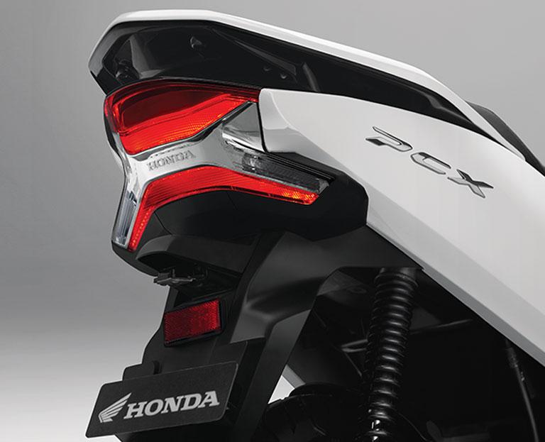 Fitur-Honda-PCX-2018-Lampu-Belakang-LED-BMSPEED7.COM_