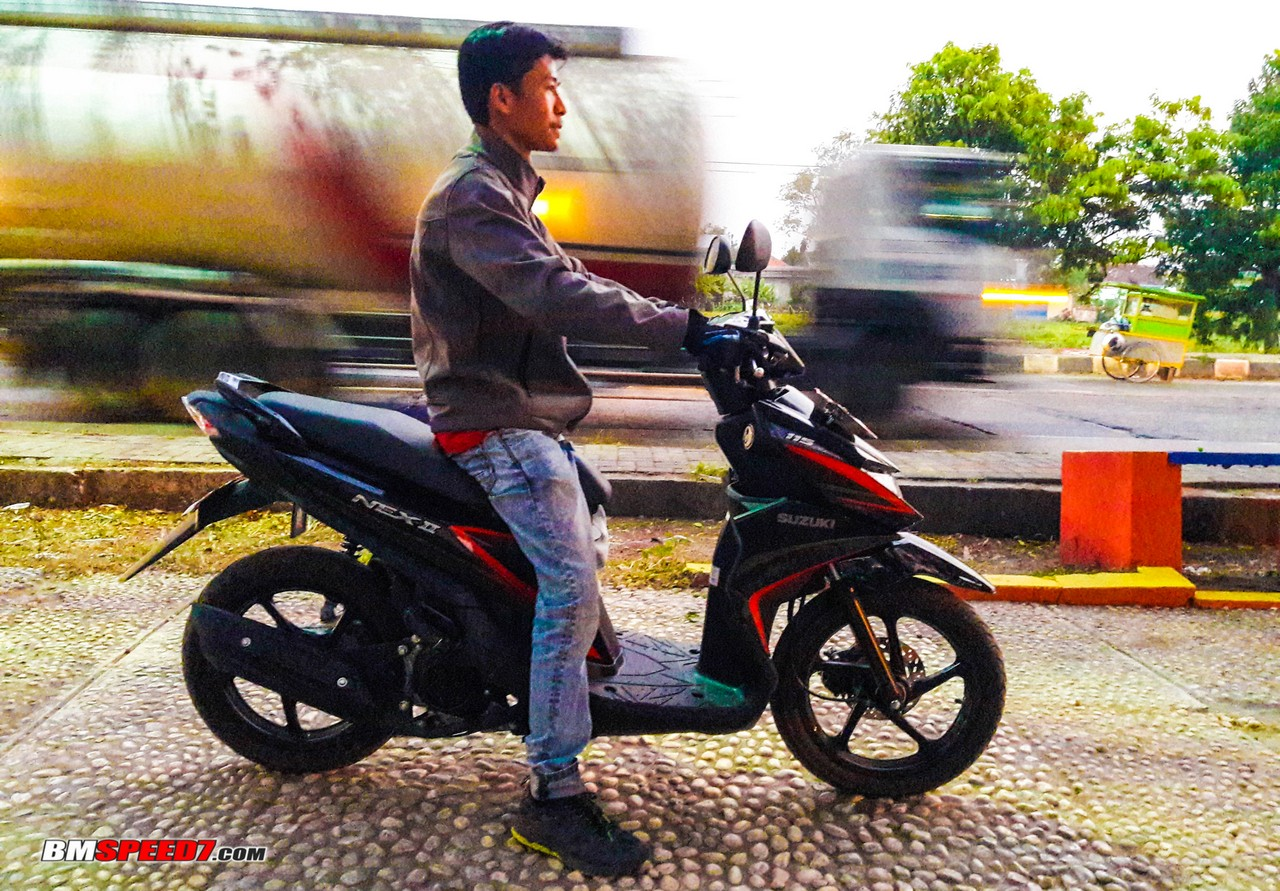 Riding Position Suzuki Nex II