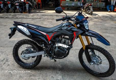 Honda-CRF150L-2019-Extreme-Black-Timbul-Jaya-Motor