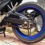 Cara-Membersihkan-Noda-Oli-di-Rantai-Gear-dan-Velg-Motor