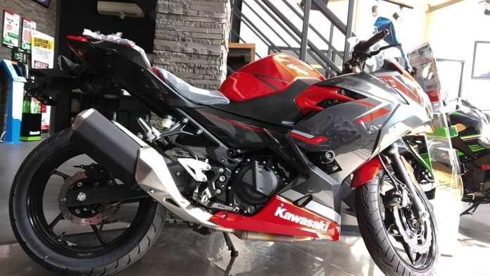 Kawasaki Ninja 250 Keyless Merah MDP