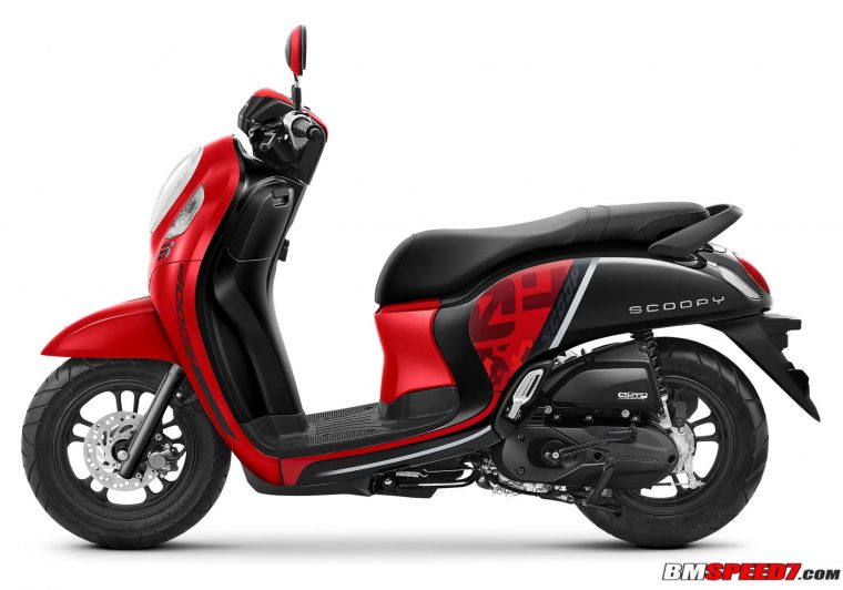 Warna Scoopy 2021 Merah Hitam