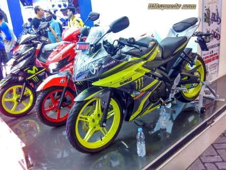 R15-Modif-cargloss-Monster-energy