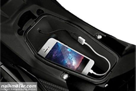 All New Suzuki Satria F150 Fi Black Predator dilengkapi Fitur USB charger