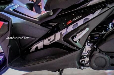 Foot step Yamaha Aerox 155 Hitam tipe standart
