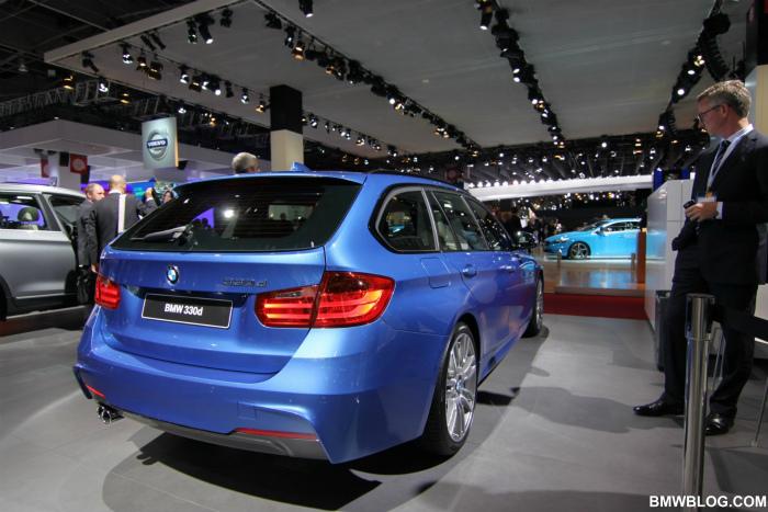BMW-3er-Touring-F31-M-Paket-Paris-2012-Estorilblau-09