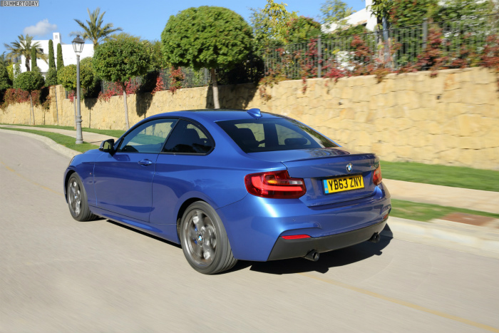 BMW-M235i-Estorilblau-2er-F22-Coupe-Estoril-Blue-03