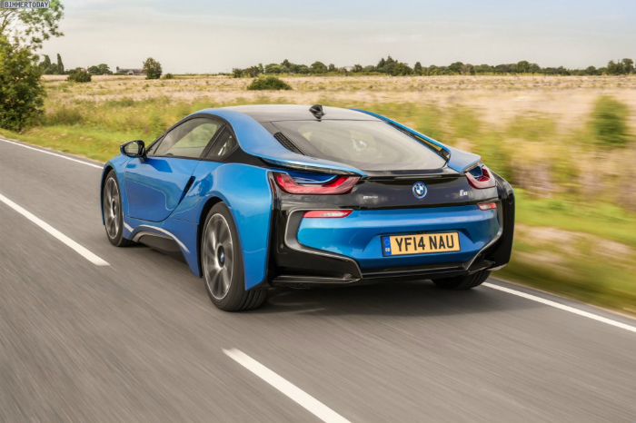 Wallpaper-BMW-i8-Protonic-Blue-UK-Plug-in-Hybrid-Sportwagen-37-1024x682