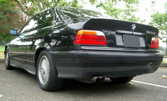 1993_bmw_325is_rear_left
