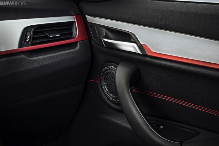 2016-BMW-X1-interior-1900x1200-images-07