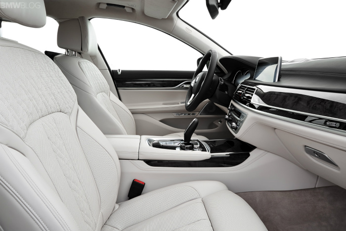 2016-bmw-7-series-interior-images-1900x1200-01